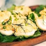 Jajka faszerowane ze szczypiorkiem i majonezem
